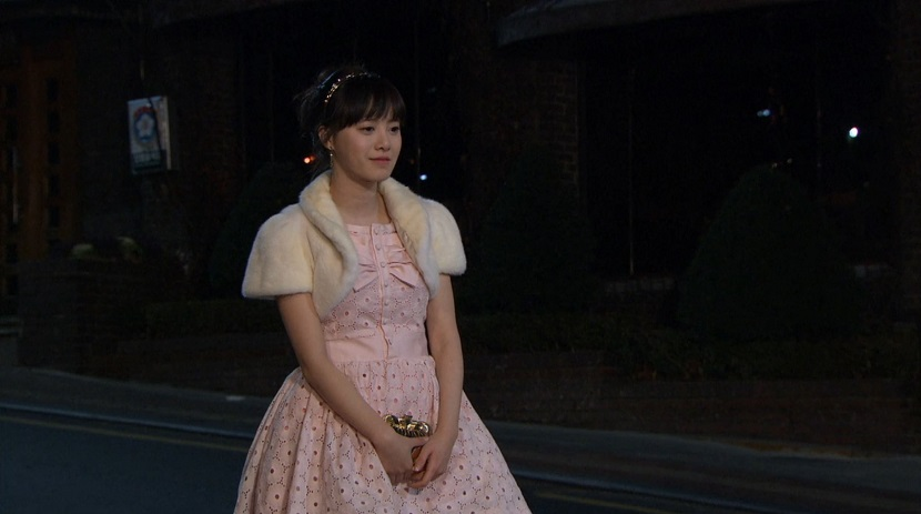 Jan-di dressed up in Boys Over Flowers episode 15