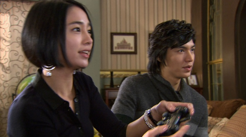 Boys Over Flowers episode 19 Jae-kyung and Jun-pyo play video games